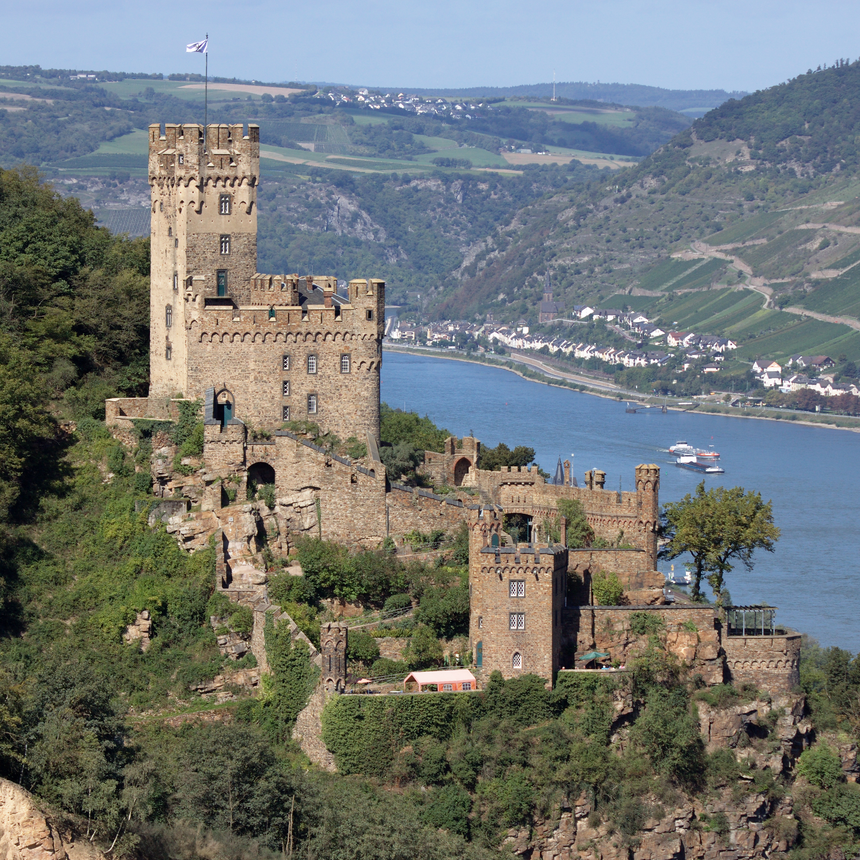 Burg-Sooneck-JR-E-852-2011-09-14