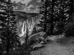 Yosemite Falls blackand white 1