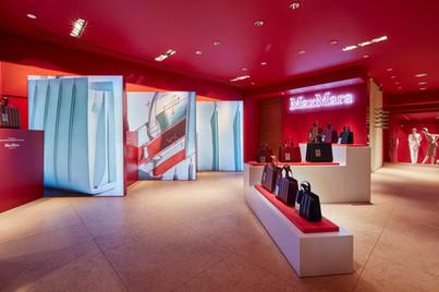MaxMara NYC Flagship Whitney Bag retail display fabrication