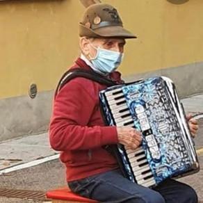 Stefano spielt für seine Frau