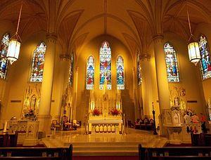 St._Francis_Xavier_Cathedral_interior_-_Alexandria,_Louisiana.JPG