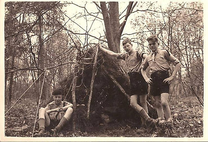 Eric Young Scouts 1957.jpg