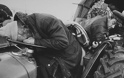 Kosovo-2 mannen doodmoe.jpg