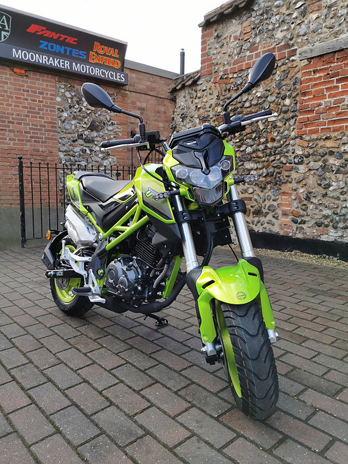 Benelli TNT 125 - Free Local delivery & UK Delivery at low cost no problem