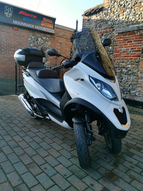 Piaggio MP3 500 2016 (Can be Ridden on a Car License!)