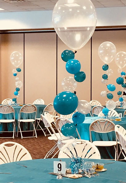 Using clear and colored Latex balloons help create this Under the Sea themed Bat Mitzvah!
