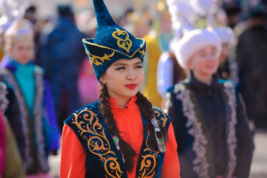 Traditional Kyrgyz Costume, Kyrgyzstan travel agency, Kyrgyzstan tourism agency, Kyrgyzstan travel and tours, Bishkek hotel bookings