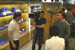 日本刀専門店銀座長州屋 英国国営放送BBC取材