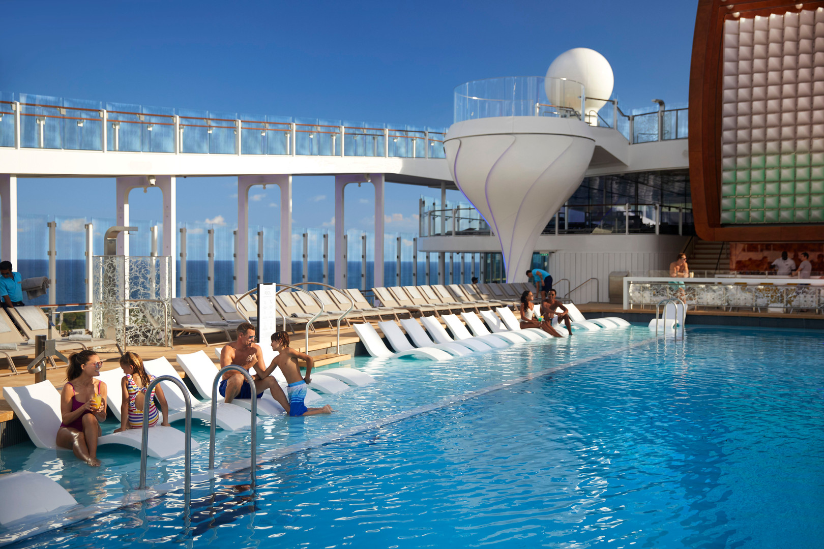 13_CelebrityEdge_Pool-Daytime_8772R - Co