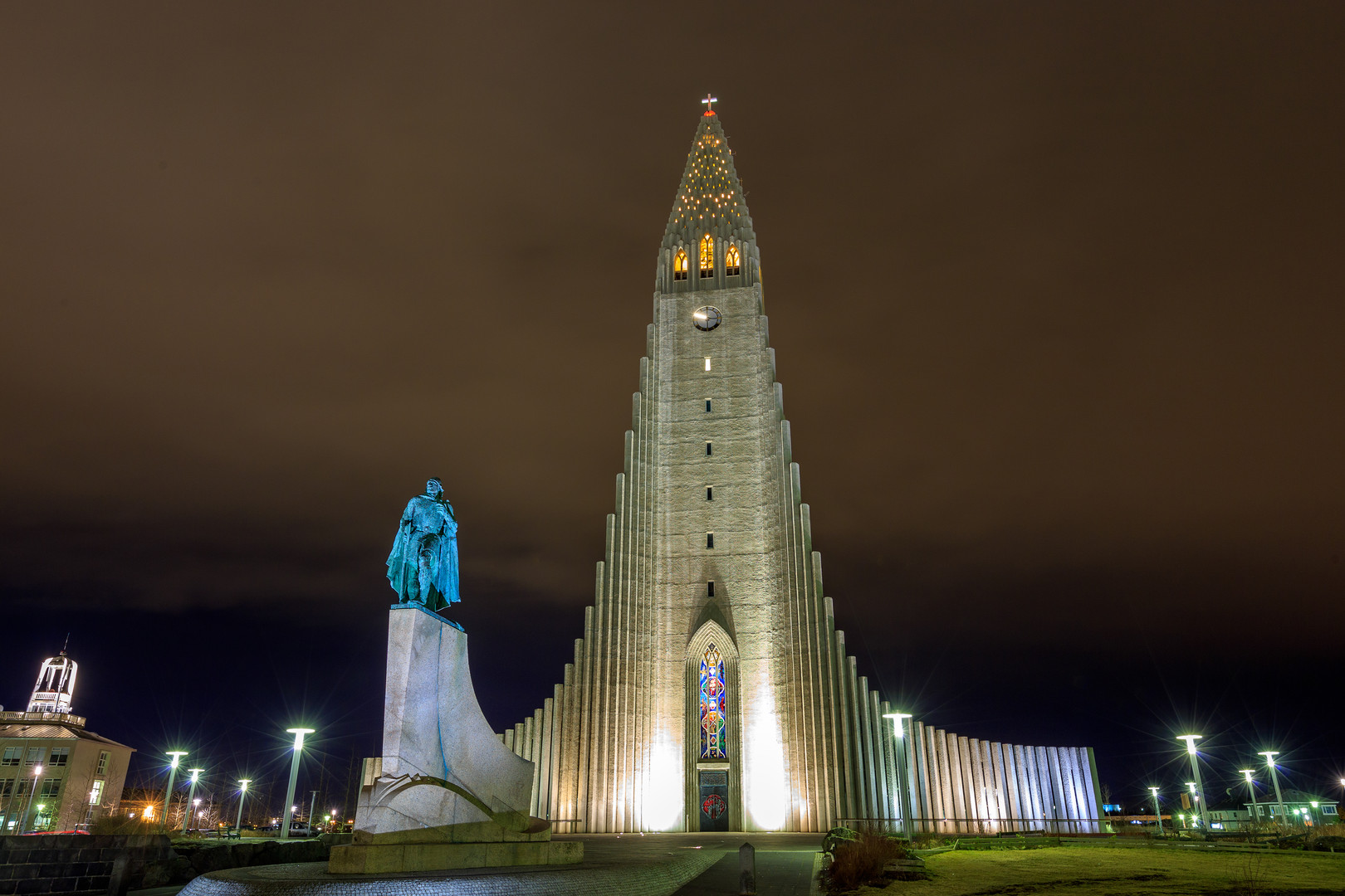 Hallgrimskirkja church.jpg