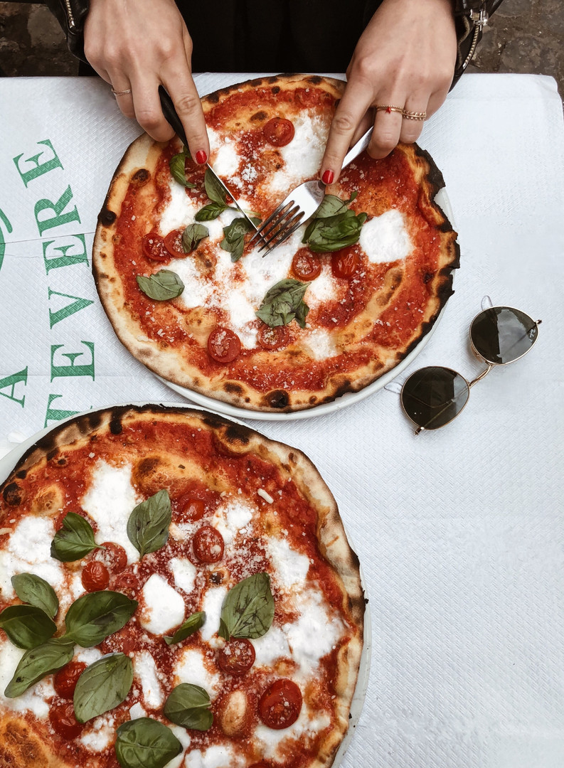 Pizza in Abruzzo.jpg
