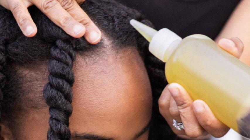 Ayurveda Herbs Oil Treatment