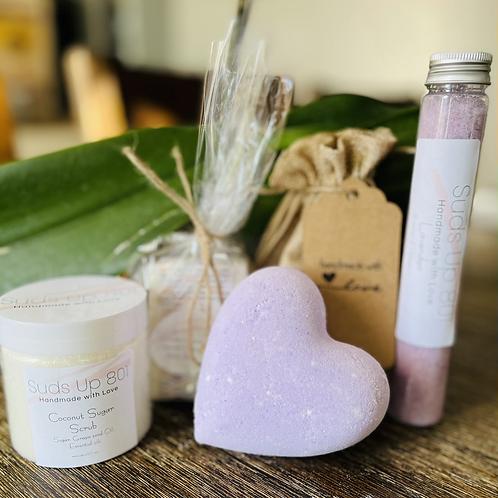 Bath Bomb (pink lem ), body bar, sugar Scrub, & relaxation salt B