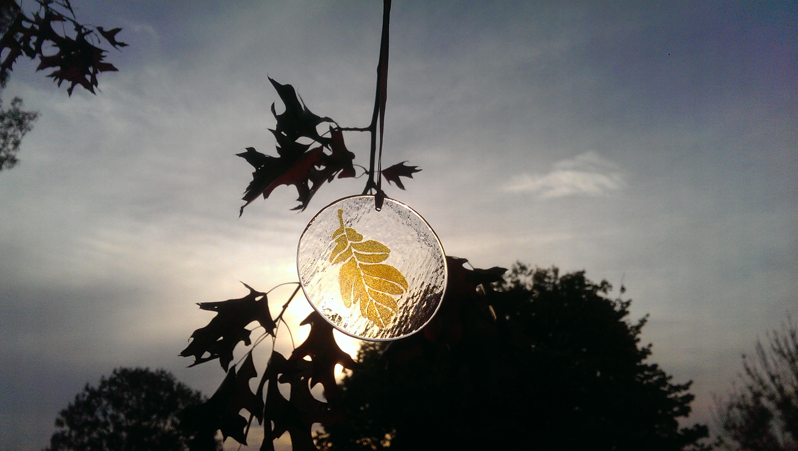 Oak leaf suncatcher