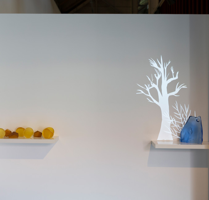 Born of Flowers image by Adam McGrath courtesy of the Canberra Glassworks