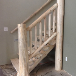 Cedar Flare Bottom Post with Railing