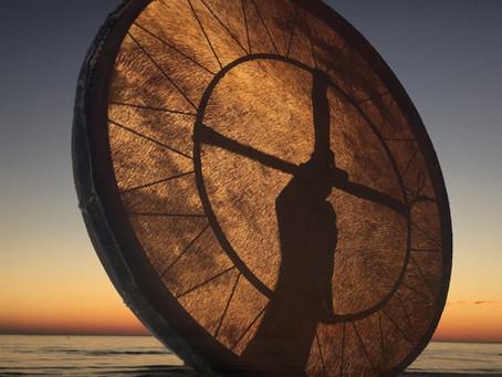 [GOSTIMO]: Šamanski bobni (8. 12.)
