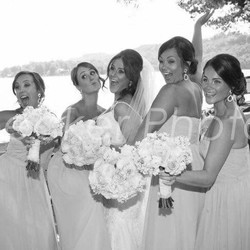 How fabulous and beautiful is this bride and her bridesmaids! Hair cred- self #njhair #weddinghair #