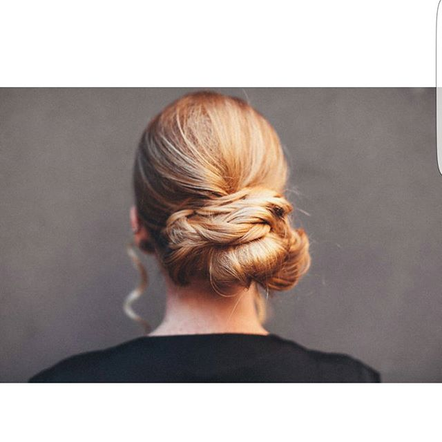 Textured bun, model  _roo_thlessblonde photographer _gloriabloisephoto 📸#njhair #hairstylist #newje