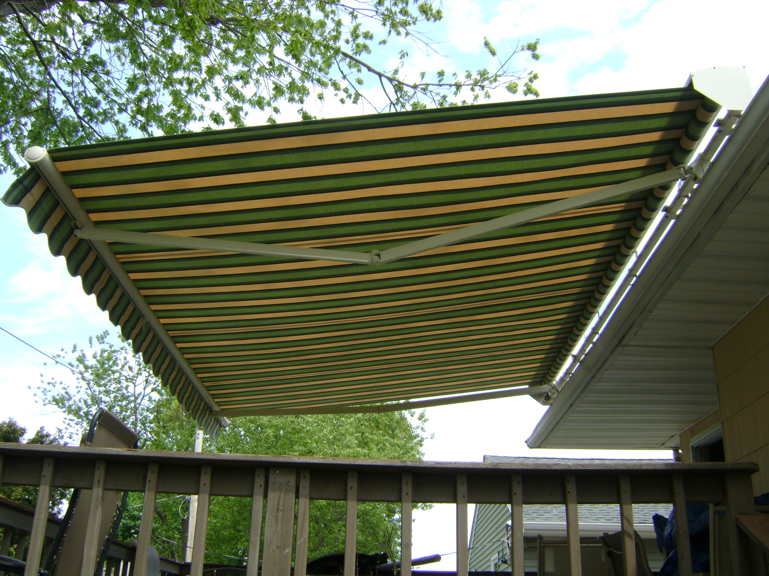 Retractable Awning For Deck or Patio   Port Washington NY