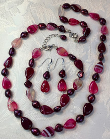 Agate Beads and Red Freshwater Pearls PP118