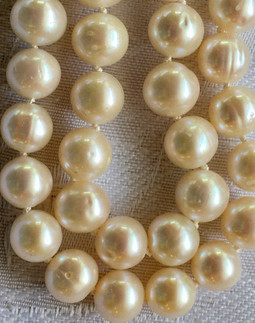 White Off-Round Freshwater Pearls FW178S34SET