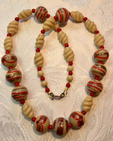 Aventurine Trail Red & Cappuccino Glass Beads VN53E22SET