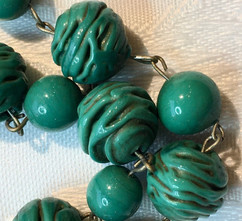 Vintage 1940's Trail Glass Beads VN57E20