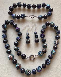Black Pearls and Blue Glass Vintage Beads PP137SE40SET
