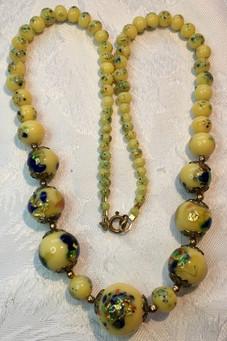 Foil Glass Spatter Beads VN42E22SET