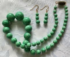 Vintage 1930s Green Pekin Glass Necklace VN126EF20SET