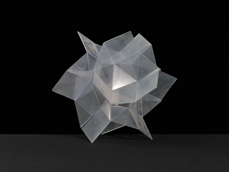 A plastic irregular decanedron