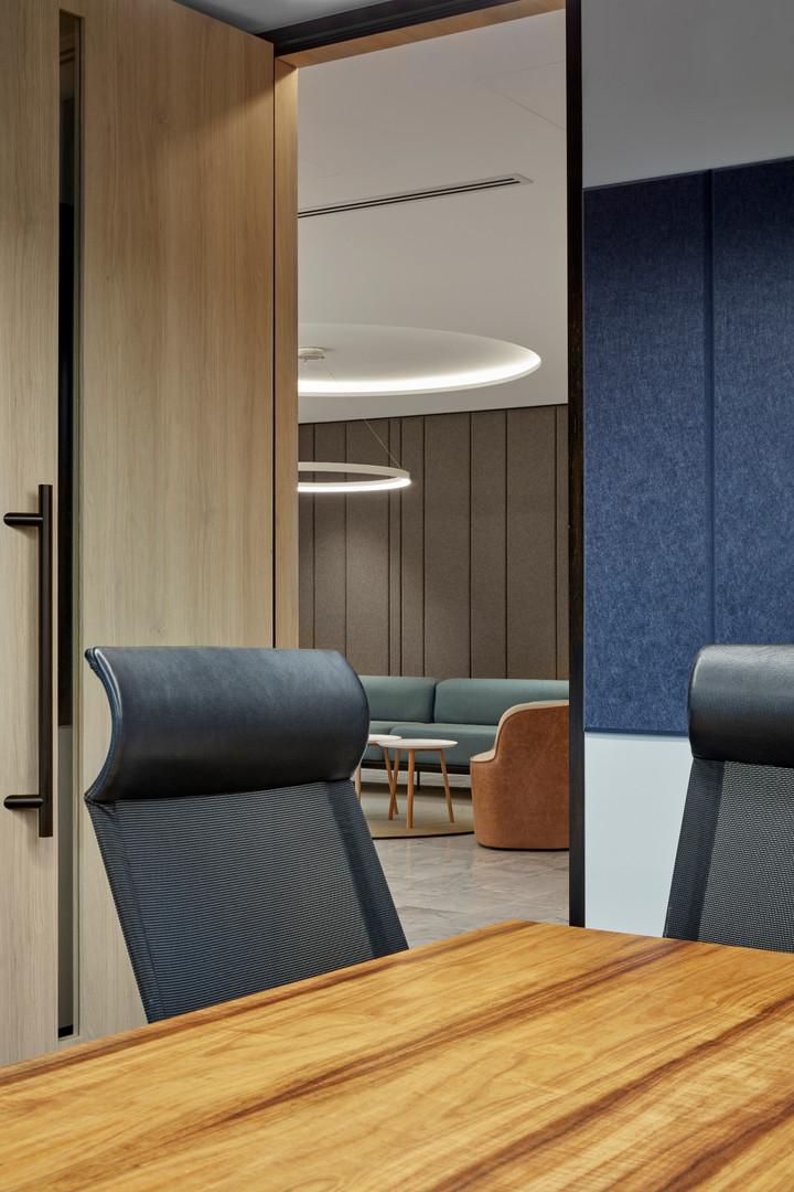 Corporate-Office-Interiors-31470.jpg