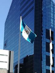 Pabellón nacional consulado honorario de Guatemala en Estonia