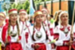 coros de Estonia trajes tradicionales