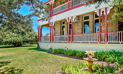 Garden area. - Abbey of the Roses accommodaiton Warwick QLD Australia