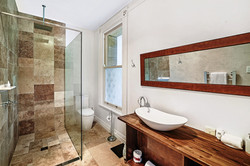 West Wing Suite 6 bathroom