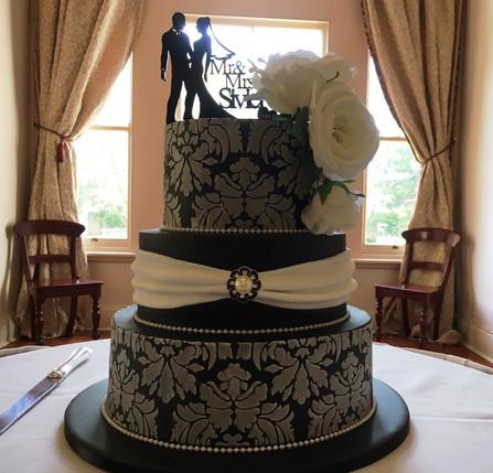 Elegant black 3 tier wedding