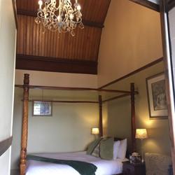 Do Drop Inn Room 8