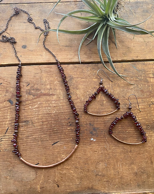 "Sticks & Stones ""Mesquite Beans"": Garnet & Copper Necklace & Earrings"