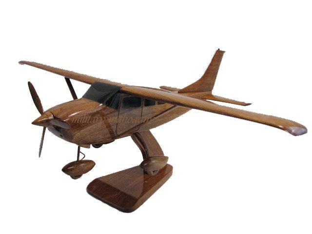 Cessna 206 Wooden Model