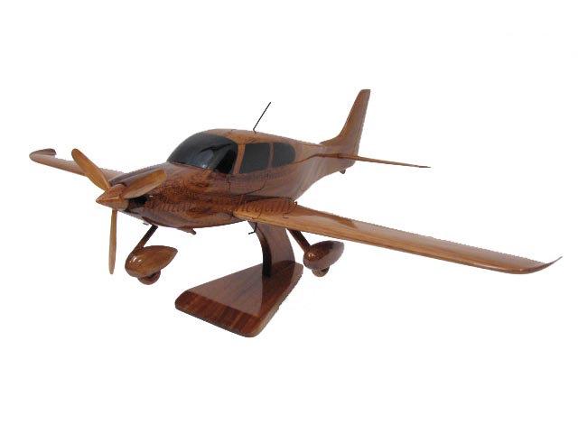 Cirrus SR22 Wooden Model