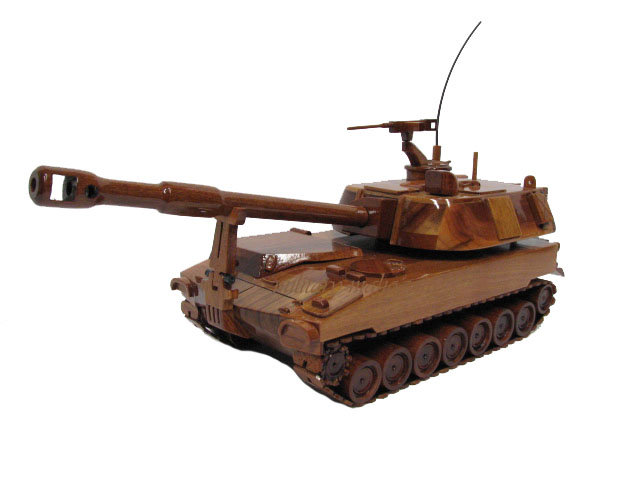 M109A1-A5 Paladin Wooden Model Howitzer