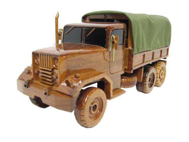 M35 2.5 Ton Deuce and a Half Wooden Model