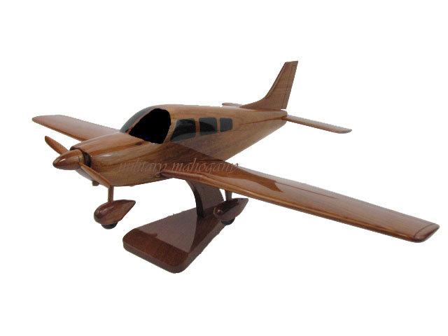 PA-28 Piper Cherokee Wooden Model