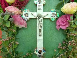С Праздником Воздвижения Честного и Животворящего Креста Господня!