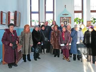 Участницы клуба «Серебряный возраст» в Успенском храме г.Химки.