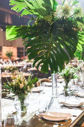 עיצוב חתונה טרופית