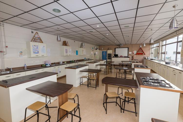 Villiers School Brochure low res-43.jpg