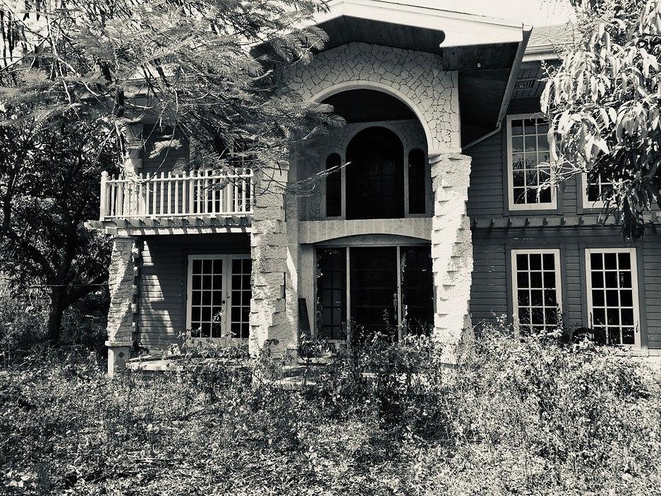 house derelict silvertone.JPG